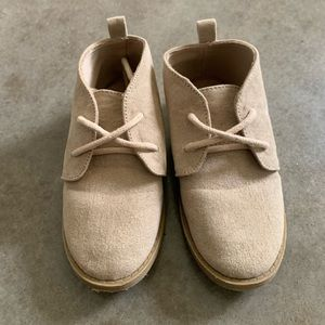 Boys Old Navy Size 8 suede dress shoes